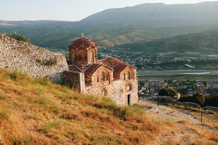 Berat Festung Kirche