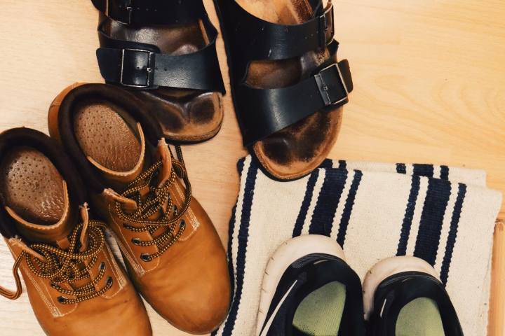 Schuhe im FLur